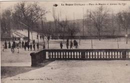 LE BUGUE - Place Du Marché Et Avenue Du Pont (animée) - Frankrijk