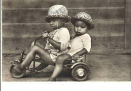 MADAGASCAR -  (Pères Du Saint Esprit) -jeux Modernes -65 - Madagascar