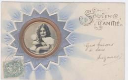 """PETITE FILLE AVEC SON CHAT  DANS UN CERCLE GAUFRE  """" Souvenir D'amitié""""  /  1148 - Baby's"""