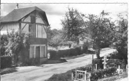 61 BELLOU EN HOULME LA CROIX DE LORRAINE ROUTE DE FLERS - France