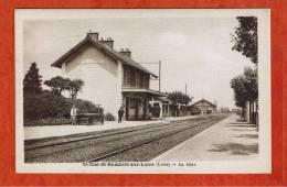ST-JUST-ST-RAMBERT-SUR-LOIRE - LA GARE - CP ANIMEE - LOIRE  42 - CP TARDIVE - Saint Just Saint Rambert
