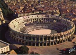 Francia - Cartolina EN PAYS ROMAIN... NIMES, Vue Aerienne Des Arenes, Amphitheatre Romain - PERFETTA E64 - Nîmes