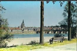 Z 577 CPM  LA CHARITE SUR LOIRE PROMENADE AU BORD DE LA LOIRE - La Charité Sur Loire