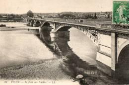 VICHY   Le Pont Sur L'allier - Vichy
