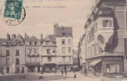 ¤¤  -   2388   -   VANNES   -  La Place Du Poids Public  -  Café Des Arts  -  Epicerie Du Bon Marché   -  ¤¤ - Vannes