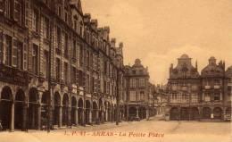 CPA - ARRAS - LA PETITE PLACE - Arras