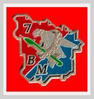 SUPER PIN´S MILITARIA : 7em Bataillon Du Matériel Vision Aigne Et Roue Crantée - Militaria