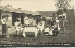 PERNIK - COSTUME NATIONAL- HEURES DU REPOS  - 1929-  CARTE-PHOTO. SCAN R/V - Bulgaria