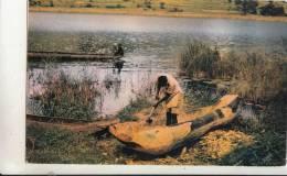 BR30053 Canoe Builder Kigezi Uganda Ship Bateaux   2 Scans - Oeganda