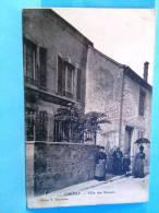 CHENAY  .  Villa Des ROSIERS (tres Belle Carte Ancienne Animée )vers 1900 - France