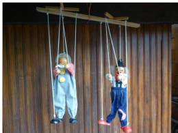 Paire De VERITABLES  MARIONNETTES à Ficelles Bois Et Tissus CLOWNS (voir 6 Photos ) - Marionette