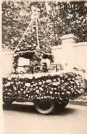 THEMES - CARNAVAL - Carte Photo - Char De La Bataille De Fleurs - Conducteur Mr Valencia - Carnaval