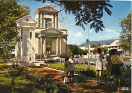 SAINT BENOIT (Ile De La Réunion) Cpsm Place Jardins Animation - Saint Benoît