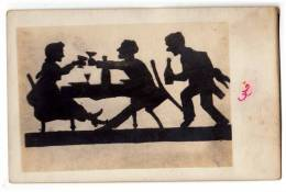 SILHOUETTE HAVEING A DRINK OLD POSTCARD - Silhouettes