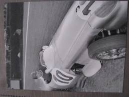 Photo De FANGIO En 1955 Au Volant De Sa Mercedes Au Grand Prix De Belgique - Riproduzioni