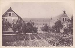 Cp , 45 , MEUNG-sur-LOIRE , École Normale Libre De Jeunes Filles , Perspective Sur Le Jardin - Francia