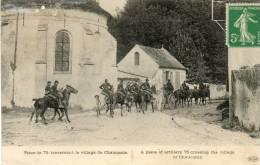 CPA - Pièce De 75 Traversant Le Village De CHAUCONIN - 536 - Régiments