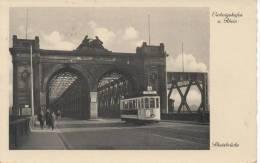 TRAMWAYS  SUR UN PONT  RHEINBRUCKE - Tramways