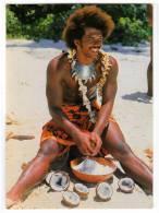 OCEANIA TAHITI THE YOUNG TAHITIAN ON THE BEACH OLD POSTCARD 1982. - Tahiti