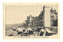 Cp, 85, Les Sables D'Olonne, Le Remblai Et Le Phare Rouge - Sables D'Olonne