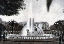"Bellissima Cartolina  Anni 50    ""  BRINDISI - Fontana Monumentale "" - Brindisi"