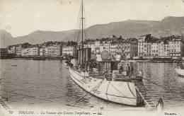 N°26906 -cpa Toulon -la Station Des Contres Torpilleurs- - Warships