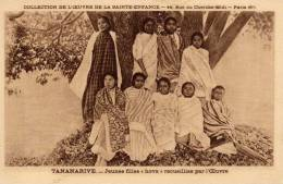 Madagascar...Tananarive ...jeunes Filles Horra ...très Belle Carte...anthropologie étude - Madagascar