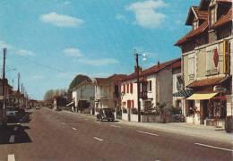 21229 Puyoo Rue Principale -cap Theojac -voiture 4cv, Bar Tabac Journaux - France
