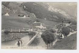 GAVARNIE  (65) La Route Du Cirque Animée Avec ânes  / 1301 - Gavarnie