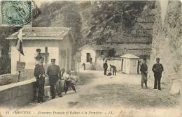 Alpes Maritimes -ref B628-menton - Douaniers Francais Et Italiens A La Frontiere - Douane  -carte Bon Etat  - - Menton