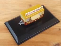 Oxford 76TR001, Bob's Hot Dog Mobile Trailer, 1:76 - Baanvoertuigen