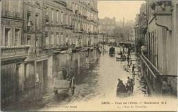 Cpa Caen 14 Calvados La Rue De Vaucelles Crue De L´orne - Caen