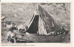 HABITANT DU GROENLAND EST DEVANT SA TENTE 1931 - Groenlandia