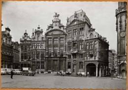 B / BRUXELLES - BRUSSEL - Maison Des Corporations - Gildehuizen (animée - Années 50) - Monumentos, Edificios