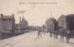 41 Blois Le Pont Du Chemin De Fer Et L'Avenue Gambette Ciclystes - Blois