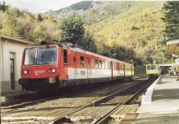 CF 11 En Gare De Villefort Croisement De 2 TER - Villefort