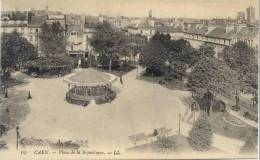 Cpa Caen 14 Calvados Place De L´hotel De Ville Kiosque A Musique Militaire - Caen