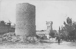 NIMES LA TOUR DU MOULIN ET L'EGLISE SAINT LUC - Nîmes