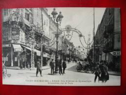 CPA ALLIER - VICHY 1913 - Fête De Gymnastique - Décorations Rue De Paris - Vichy