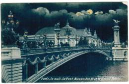 CPA Paris La Nuit, Le Pont Alexandre III Et Le Grand Palais (pk6107) - Parijs Bij Nacht