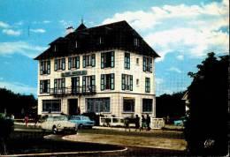 Franceville Chez Marion Hotel Restaurant Voitures DS - France