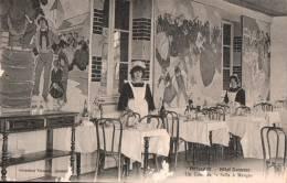 29 BENODET HOTEL KERMOOR UN COIN DE LA SALLE A MANGER ANIMEE PAS CIRCULEE - Bénodet