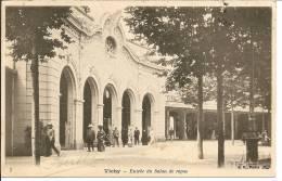 N°1050 - Vichy - Vue Animée De L´entrée Du Salon De Repos - Vichy