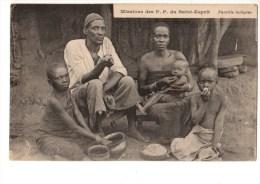 C  P  A -----GUINEE FRANCAISE Missions Des P P Du St-esprit Famille Indigéne--voir 2 Scans - Französisch-Guinea
