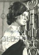 PORTUGAL - MUSIC - THE SINGER MADALENA IGLESIA - REAL AUTHOGRAPHED 60S REAL PHOTO. - Famous People