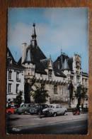 SAUMUR - Hôtel De Ville - Voitures - Saumur