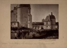 OIRON OYRON LeChâteau Cour D'honneur Au Nord Photographie Signée Jules ROBUCHON Contrecollée Sur Carton - Autres Communes