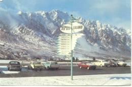 SIGNPOST QUEENSTOWN AIRPORT CARTE CIRCULEE CIRCA 1970 - Nieuw-Zeeland