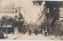 CPA PHOTO 45 BRIARE Jour De Fête Comice Agricole De 1910 La Grande Rue Pavoisée Animation Rare - Briare