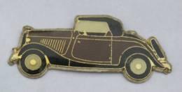 Pin's VOITURE ANCIENNE MARRON  - Cabriolet - Décapotable - Tacot - B1187 - Unclassified